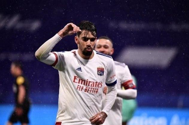 MANDOU BEM - Paquetá aparece novamente na lista por ter marcado um gol e ter dado uma assistência para Depay na vitória do Lyon sobre o Angers por 3 a 0
