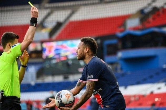 MANDOU MAL - Além de não contribuir em campo, Neymar foi expulso no final da partida entre PSG e Lille