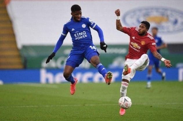 MANDOU MAL - Fred errou na saída de jogo, entregou a bola nos pés de Iheanacho, que abriu o placar da vitória do Leicester sobre o Manchester United por 3 a 1
