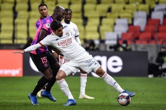MANDOU MAL - Lucas Paquetá não conseguiu criar muitas oportunidades e o Lyon sofreu dura derrota para o PSG em casa