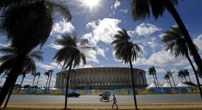 Mané Garrincha, em Brasília, deve receber a partida de abertura, em 13 deste mês