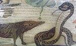 Os mangustos são animais lendários no trato a serpentes (como mostra esse mosaico italiano)