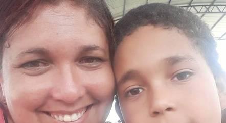 Rafael, de 10 anos, corria riscos de perder audição