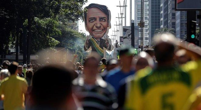 Protestos a favor do presidente Jair Bolsonaro (PSL) levaram milhares de manifestantes às ruas