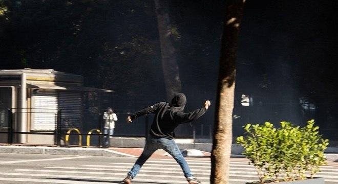 Atos na Avenida Paulista tiveram confrontos entre manifestantes e PM