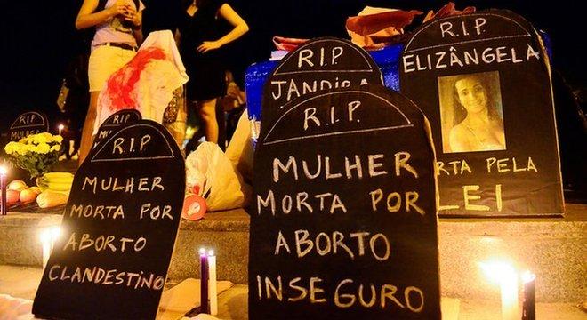 Palestrantes favoráveis à desciminalização vão apresentar dados sobre mortes de mulheres em abortos clandestinos e argumentar que a legislação atual não reduz o número de abortos