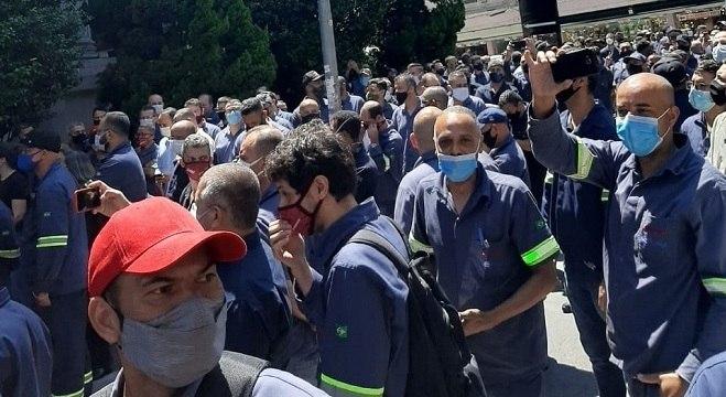 Funcionários se reuniram após empresa decretar falência