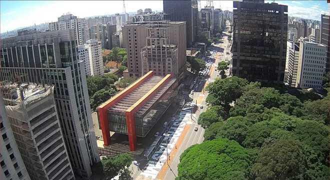 Avenida Paulista amanhece pintada com frase 'Vidas Pretas Importam'