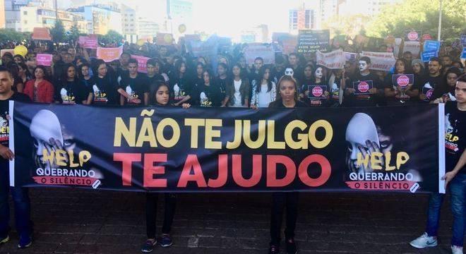 Manifestação reuniu milhares de jovens na avenida Paulista