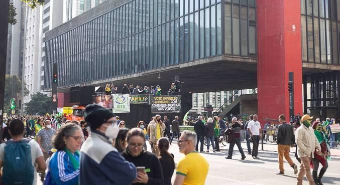 Manifestantes se reuniram neste domingo (1º) na Avenida Paulista