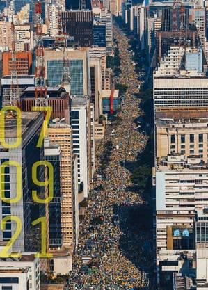 Brasileiros se reuniram na Av. Paulista para protestar contra censuras e injustiças