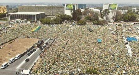 Apesar das milhares de pessoas presentes em diversas capitais do país, as manifestações foram pacíficas