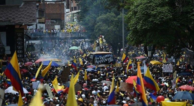 Manifestantes afirmam que reforma atinge de forma desproporcional a classe média do país