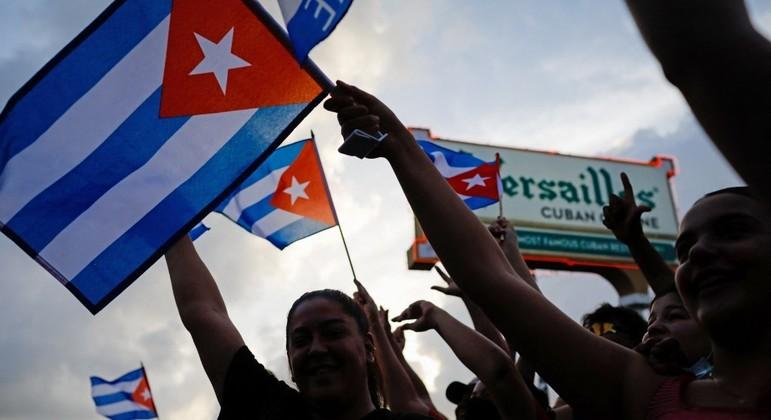 Manifestantes ocuparam as ruas de Havana, capital de Cuba, para protestar contra o governo