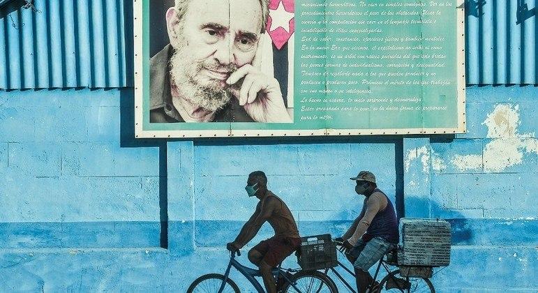 População cubana protesta por mais liberdade e pelo fim do governo comunista