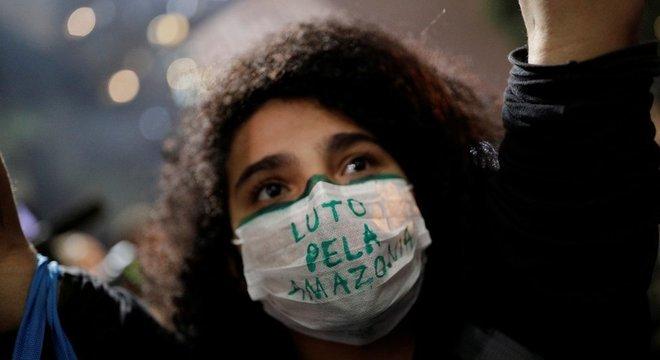 Manifestante em São Paulo; apesar dos alertas, Saldiva se diz otimista quanto ao futuro