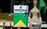 Manifestante também protestaram na frente do Supremo Tribunal Federal e levaram imagens com críticas ao ministro Alexandre de Moraes, que autorizou operação contra fake news