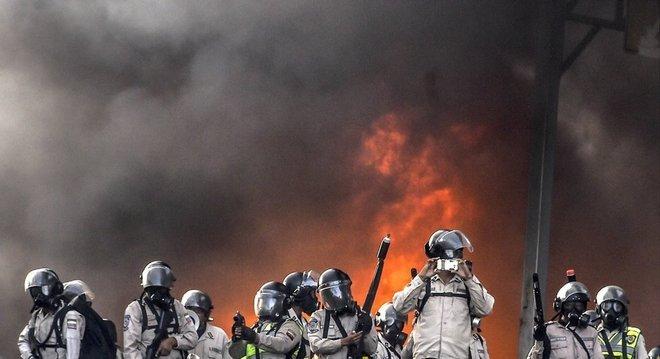 Quando Maduro convocou uma Assembleia Constituinte, a Venezuela foi tomada por uma onda de protestos violentos em 2017; mais de 100 pessoas morreram
