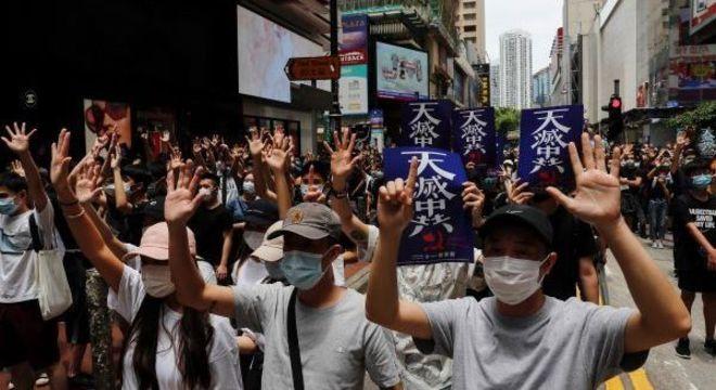 Hong Kong tem maior protesto na cidade desde isolamento social