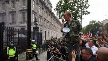 Londres tem protestos nas ruas contra as restrições anticovid