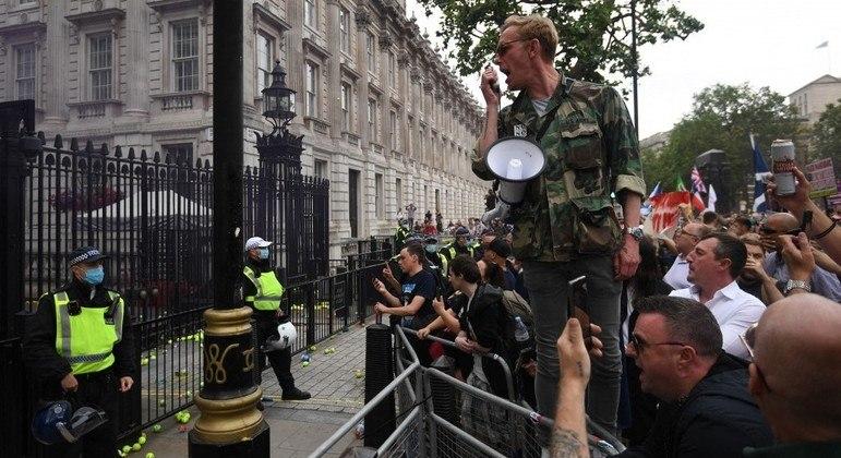 Protestos no centro de Londres após o adiamento para julho da suspensão das medidas anticovid