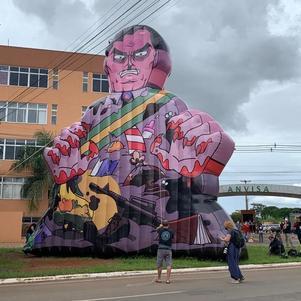 Polícia pediu pela retirada de boneco representando Jair Bolsonaro