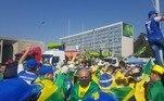 Manifestantes pró-Bolsonaro se concentram na Esplanada dos Ministérios, em Brasília