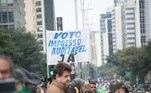 Manifestantes a favor do voto impresso ocupam a av. PaulistaVEJA MAIS