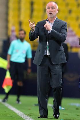 Mano MenezesCampeão por Cruzeiro e Corinthians, Mano Menezes chegou ao Al-Nassr em 2021 para comandar a equipe saudita