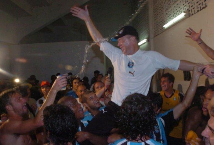 Mano Menezes foi o treinador da Batalha dos Aflitos. Mas, agora, não quer voltar