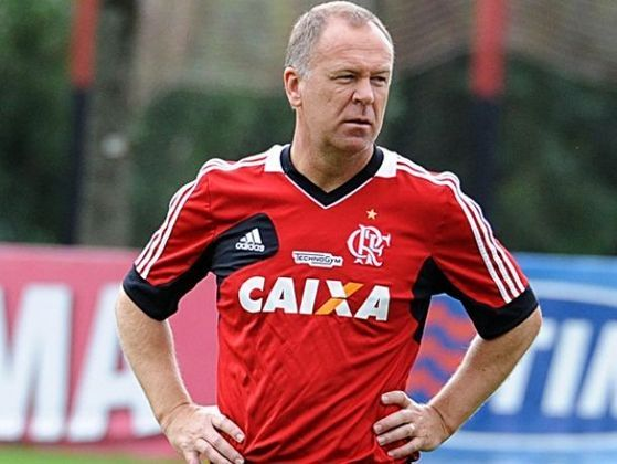 Mano Menezes (2013) - 22 jogos / Aproveitamento de 50%.