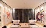 Uma das suítes da casa de Xuxa tem cerca de 168 metros quadrados