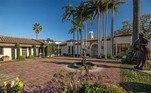 A residência é considerada uma casa da realeza de Hollywood, já que pertencia aLee Phillip Bell, famosos criador de novelas americanas
