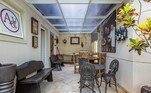 Há vários ambientes diferentes na parte interior da mansão