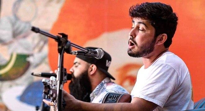 Fernando Manso é goiano e canta em festas de casamento