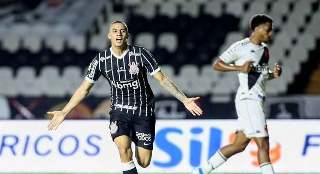 Gustavo Mantuan vinha ganhando espaço no elenco profissional do Corinthians