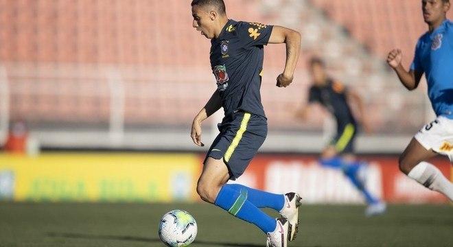 Mantuan, no fatídico jogo-treino contra o Corinthians. Gramado ótimo em Itu