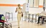 Famosos como Manu Gavassi, Fafá de Belém e Marília Gabriela acordaram cedo para votar no primeiro turno daseleições municipais de 2020, neste domingo (15), em São Paulo e no Rio de Janeiro
