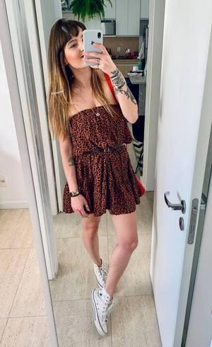 Saia midi pode virar um vestido