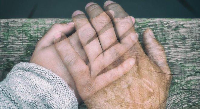Pandemia está mudando nossa relação no que diz respeito ao contato físico