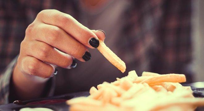 Algumas pessoas com diabetes de tipo 2 podem controlar o nível de açúcar no sangue com exercício e dieta