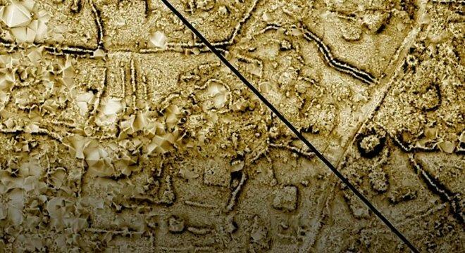 Mapa a laser feito do terrano da pirâmide