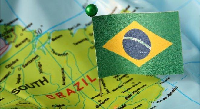No fim de setembro, o governo brasileiro autorizou a entrada de estrangeiros, de qualquer nacionalidade, em todos os aeroportos do território nacional