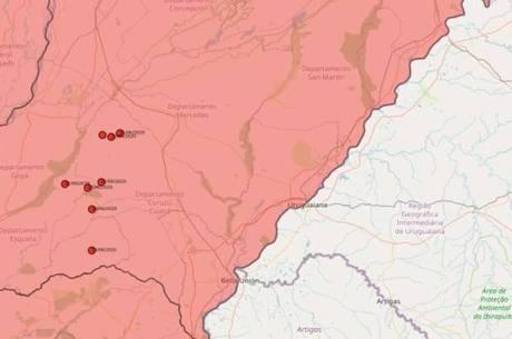 Pontos vermelhos (nuvens) no mapa estão na Argentina
