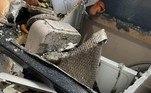 Uma inglesa ficou chocada ao testemunhar a explosão da máquina de lavar dela. As imagens mostram que a explosão do aparelho destruiu parte da área de serviço da casa
