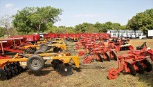 GDF entrega máquinas a agricultores e reforça regularizações rurais
