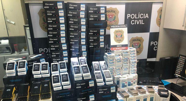 Polícia apreende mais de 400 máquinas utilizadas no mercado de estelionato na zona sul