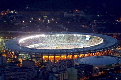 Maracanã antes da reforma no Pan-Americano de 2007