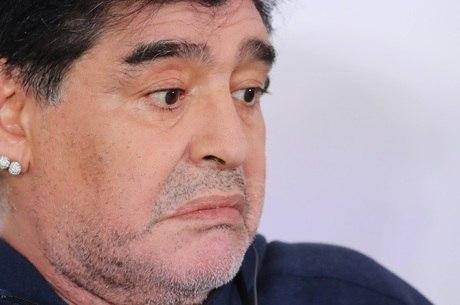 Maradona diz que tradição está sendo arranhada