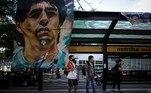 Em situação similar, Diego também foi internado em 2004, desta vez na Clínica y Maternidad Suizo Argentina de la Capital Federal, em Buenos Aires. Na ocasião, ele também esteve próximo de morrer, por causa de uma crise hipertensiva, em um quadro basal de miocardiopatia dilatada